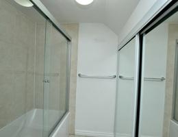 13bathroom2