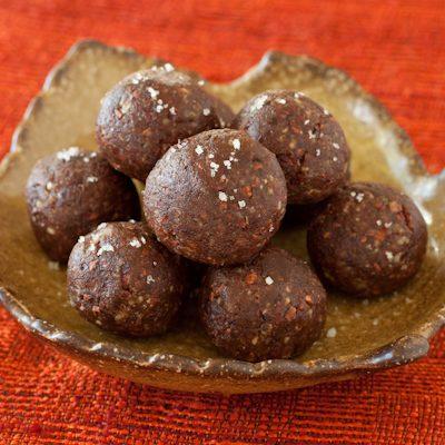 Pecan-date-cacao truffles with Kona liqueur
