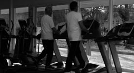 Mid_vital_fitness_en_sportschool_delft_ouderen_loopband_edited1
