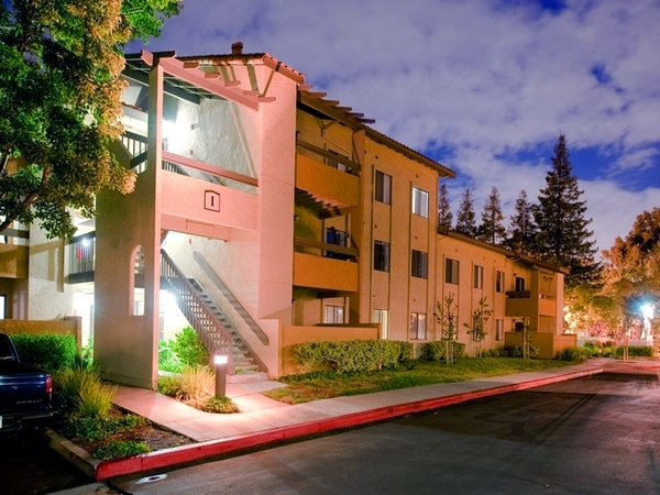 Avalon Mountain View Apartments - RentLingo featured apartment