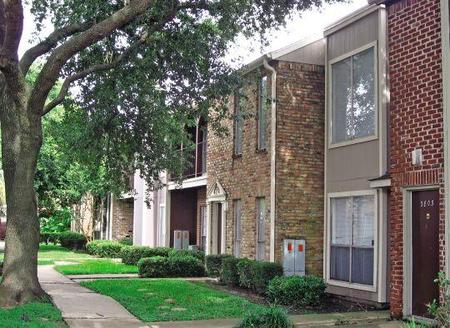 Woods At Yorktown Apartments Reviews
