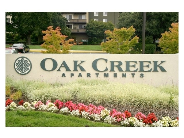 Oak Creek Apartments - RentLingo featured apartment