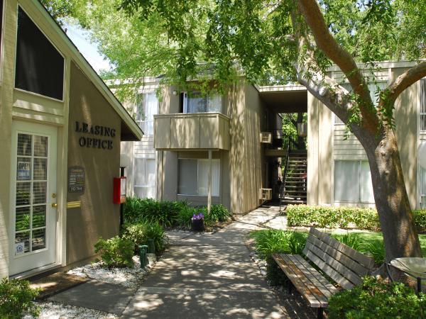Creekside Apartments  Sacramento  Apartment Details