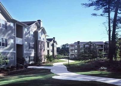 Apartment reviews and rankings rentlingo for Home depot expo design center atlanta ga