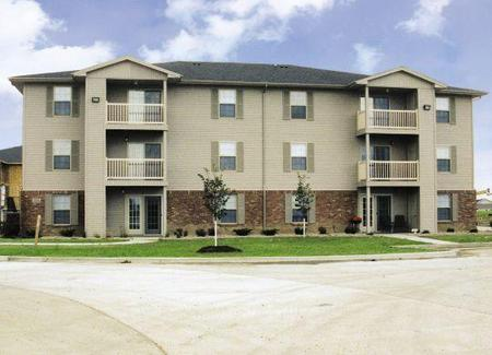 St ivan 39 s at fox creek apartments bloomington apartment for Brookridge heights