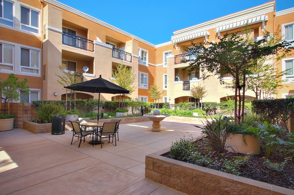 Villa Del Sol Apartments - RentLingo featured apartment