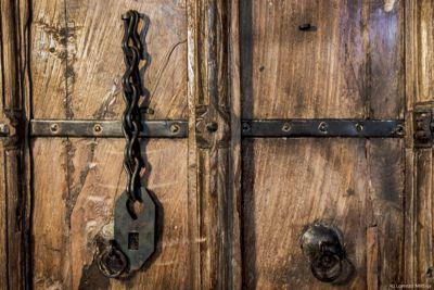 Front_gate_doors_thumb
