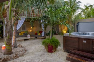 Lounge_set_pool_thumb
