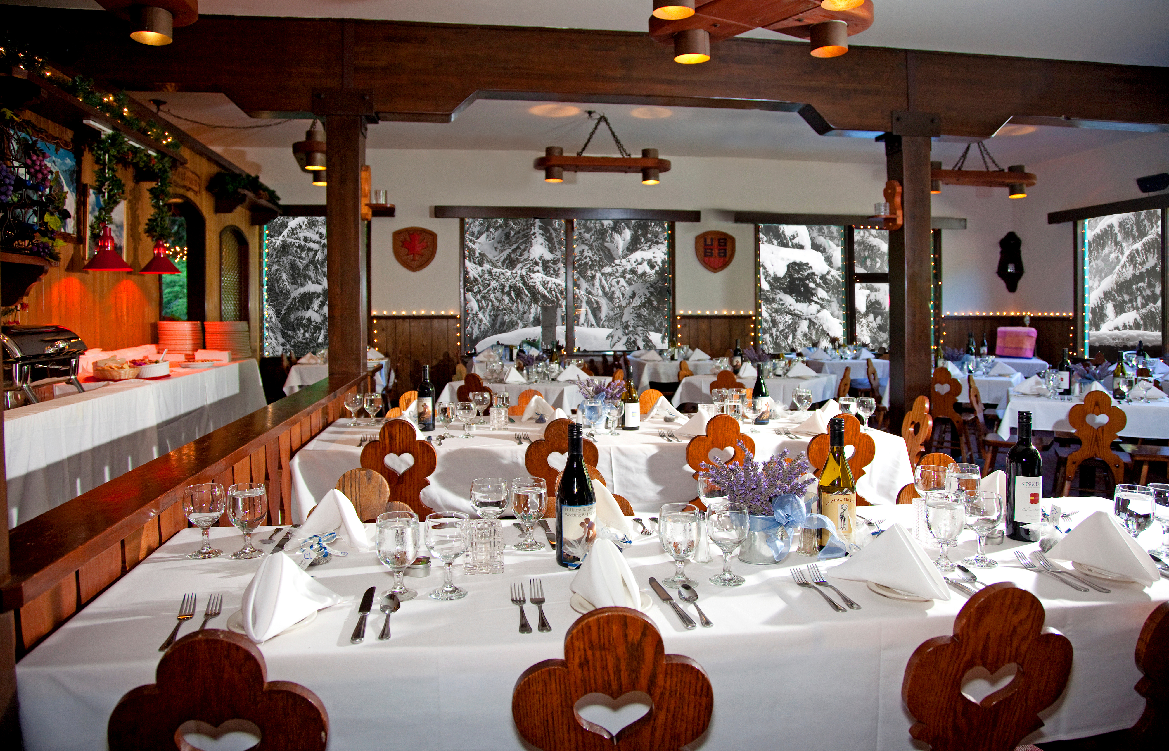 Alpine_restaurant__white_tablecloth._jeff_caven_thumb