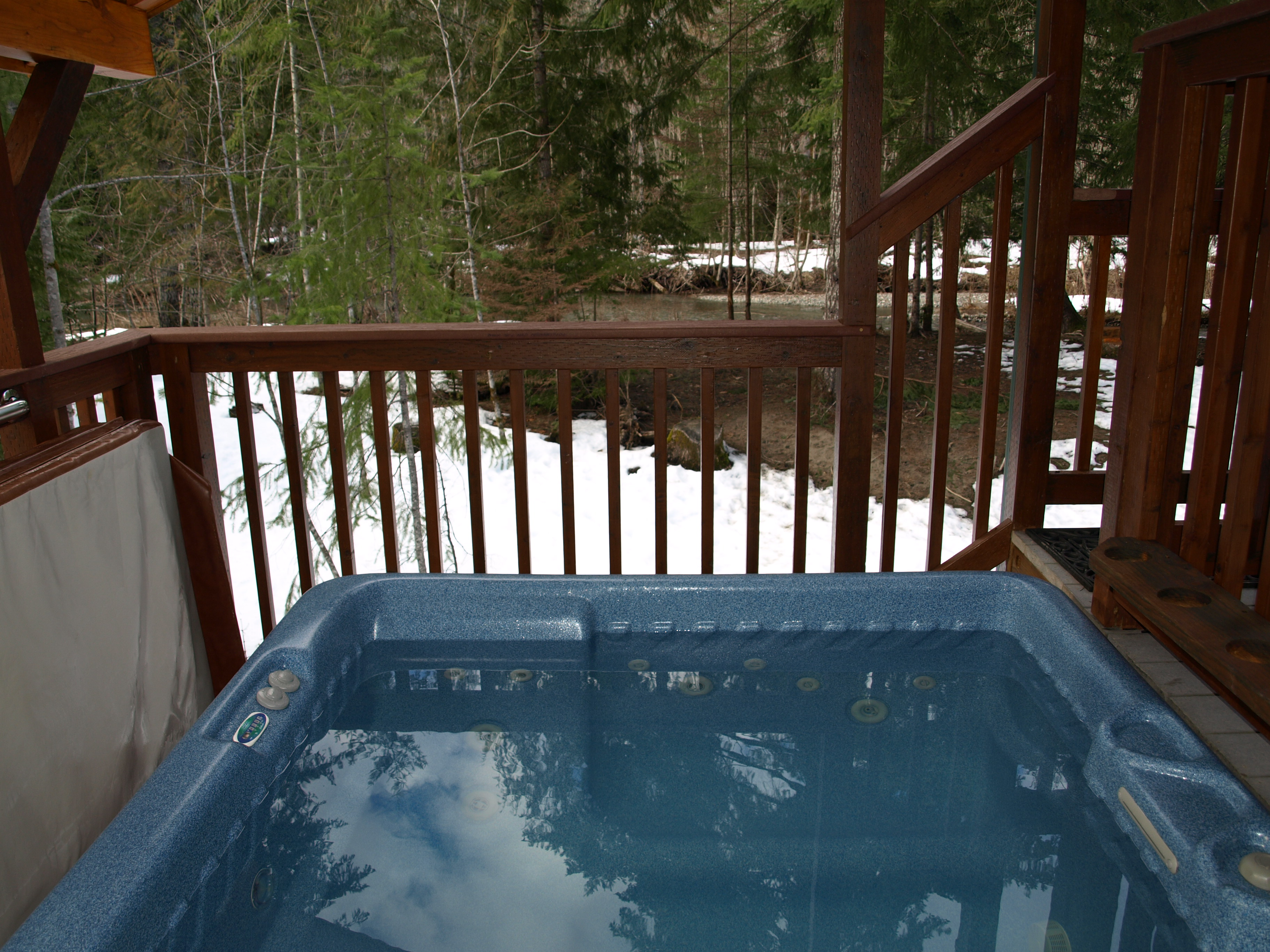 Hot_tub_area_thumb