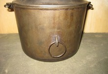 Griswold #6 Flat Bottom Kettle With Fully Marked Lid