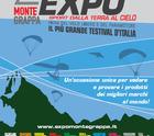 Alle pendici del Grappa l'Expo che parla di volo in parapendio e deltaplano