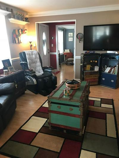 904 MARKET ST, WORTHINGTON, KY 41183 - Photo 2
