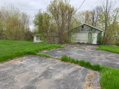 29 CHURCH ST, Champlain, NY 12919 - Photo 1