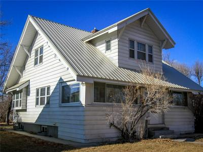 609 2ND ST W, Roundup, MT 59072 - Photo 1