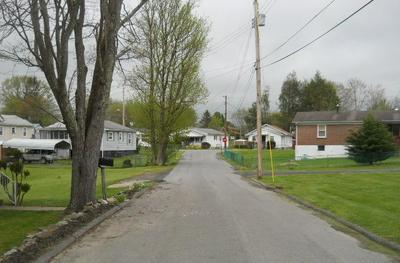109 COPONITI ST, BECKLEY, WV 25801 - Photo 2