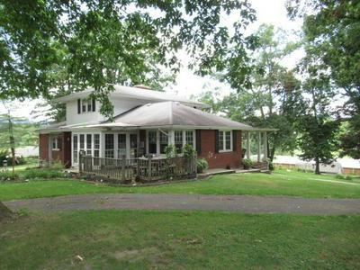 96 FRONT DR, HINTON, WV 25951 - Photo 1