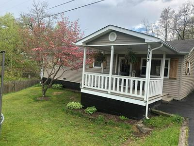 1317 OLD ECCLES RD, BECKLEY, WV 25801 - Photo 1