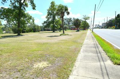 1330 JACKSON AVE, Chipley, FL 32428 - Photo 2