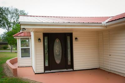 205 E WISCONSIN AVE, Bonifay, FL 32425 - Photo 2