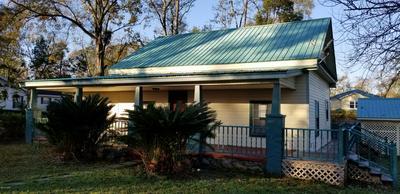 864 CHESNUT HILL ST, Chipley, FL 32428 - Photo 1