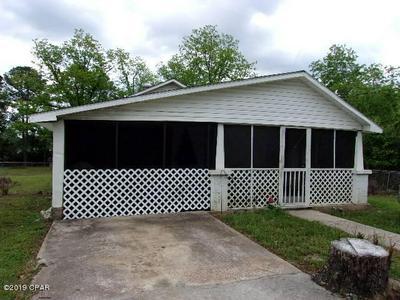 106 S HUBBARD ST, Bonifay, FL 32425 - Photo 1