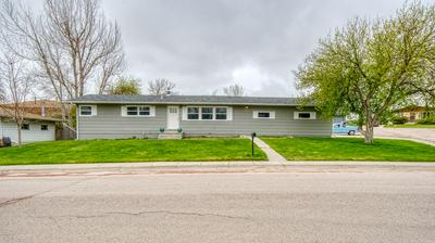 422 PRAIRIEVIEW DR, Gillette, WY 82716 - Photo 1