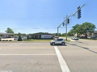 3201 E HIGHLAND DR, Jonesboro, AR 72401 - Photo 1
