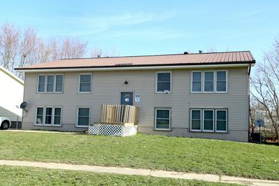 402 PLAZA HEIGHTS RD, Marshalltown, IA 50158 - Photo 1