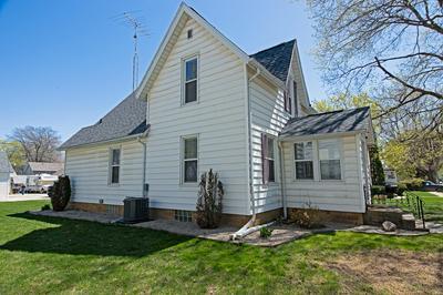 214 2ND ST SE, Hampton, IA 50441 - Photo 2