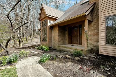 358 STUBLYN RD, Granville, OH 43023 - Photo 2
