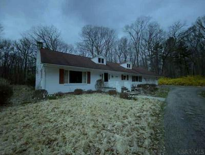 2200 DUNDEE LN, Johnstown, PA 15905 - Photo 2