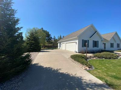 1811 BLUEBERRY DR, Plover, WI 54467 - Photo 2