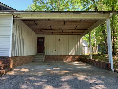 111 BRADLEY DR, Lexington, TN 38351 - Photo 2