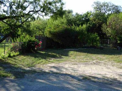 307 W STRICKLAND ST, Del Rio, TX 78840 - Photo 2