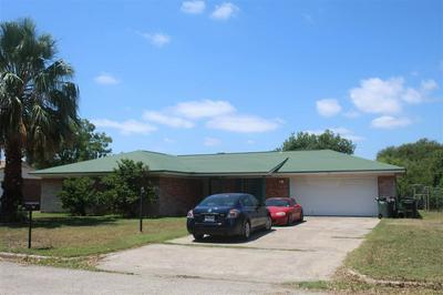 213 ELIZABETH DR, Del Rio, TX 78840 - Photo 2