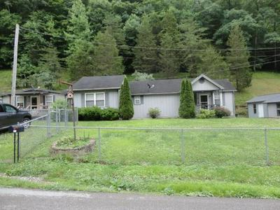 198 DANIELS CRK, Banner, KY 41603 - Photo 2