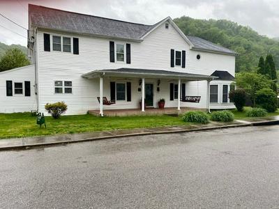 255 W GRAHAM ST, Prestonsburg, KY 41653 - Photo 2