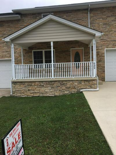 632 CLUBHOUSE DR, Prestonsburg, KY 41653 - Photo 1