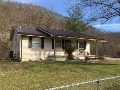 5 N RICHMOND AVE, Auxier, KY 41602 - Photo 2