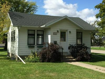 905 COOPER AVE, GRAFTON, ND 58237 - Photo 1
