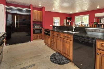 4598 PARKER GROVE RD, MAGNOLIA, KY 42757 - Photo 2
