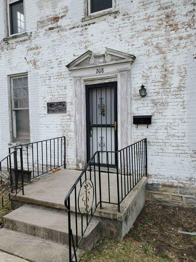 208 E WASHINGTON ST, Winchester, IN 47394 - Photo 2