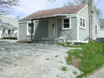 643 MANCHESTER AVE, Wabash, IN 46992 - Photo 2