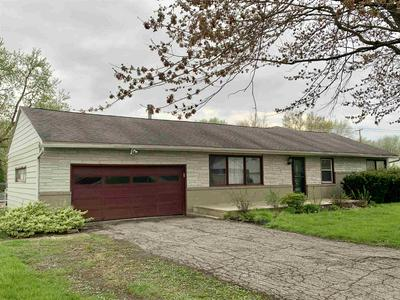 129 PETERSON DR, Sweetser, IN 46987 - Photo 2