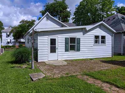 1647 N 13TH ST, Vincennes, IN 47591 - Photo 2