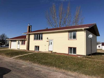 403 5TH ST, STAPLETON, NE 69163 - Photo 1