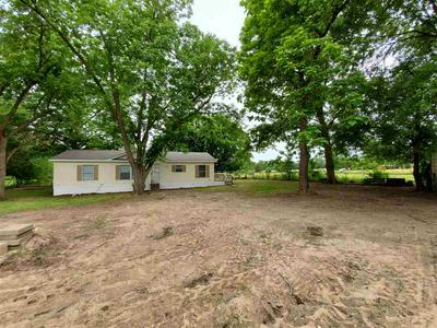 901 STRAWBERRY ST, Winnsboro, TX 75494 - Photo 2