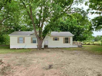 901 STRAWBERRY ST, Winnsboro, TX 75494 - Photo 1