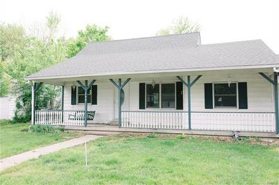 704 S APPLE AVE, Belle, MO 65013 - Photo 1